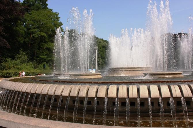 Fountain near Atomium
