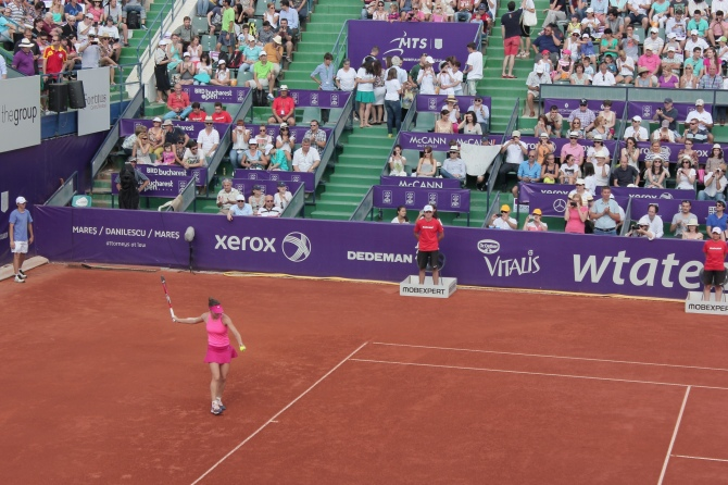 Simona Halep playing the finals at BRD Bucharest Open 2014
