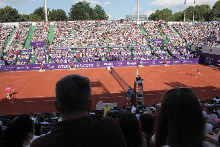 Simona Halep versus Roberta Vinci in Bucharest