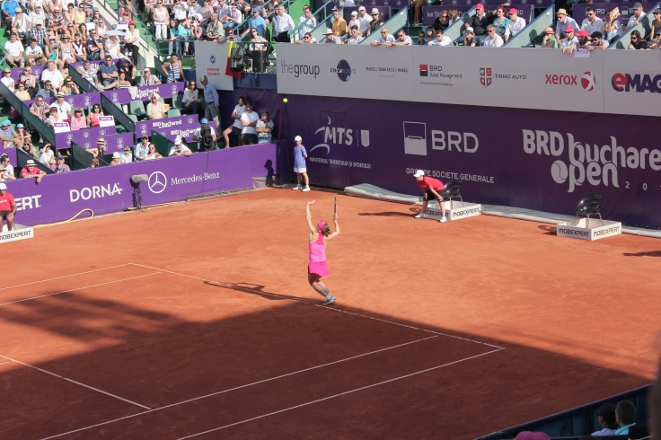 Simona Halep serving in the finals