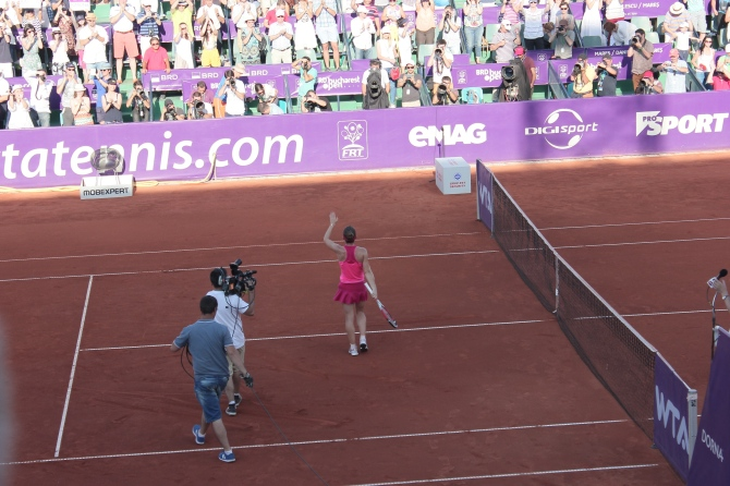 Simona Halep wins BRD Bucharest Open 2014