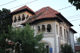 Building on Dacia Boulevard in Bucharest's second district