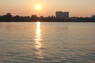 Sunset in Herastrau Park